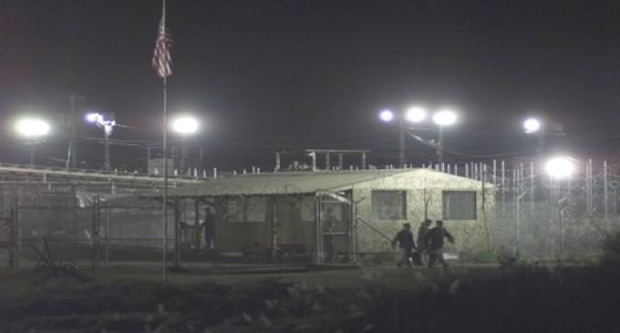 Soldiers Teach Guantanamo Bay Prisoners Tricks