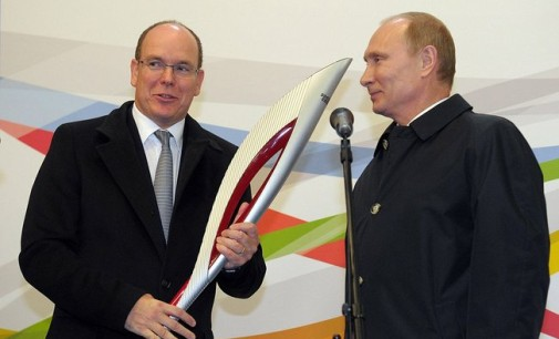 Sochi Olympic Woes: Quarrelsome Putin Photo Stares Down US Reporters In Appalling Hotel Rooms