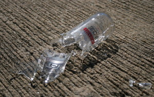 Broken_glass_bottle