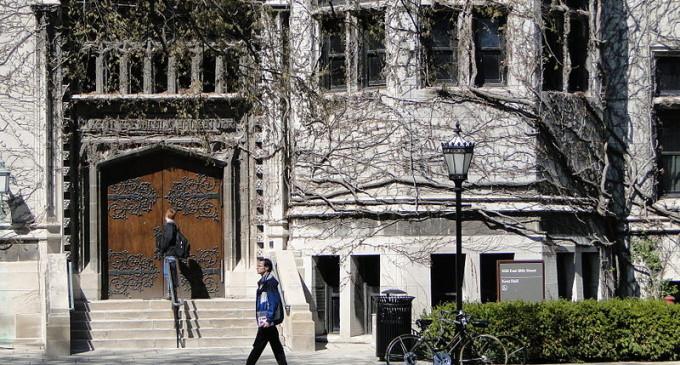 Desperate University of Chicago Students Mugging Vulnerable South Side Crack Dealers