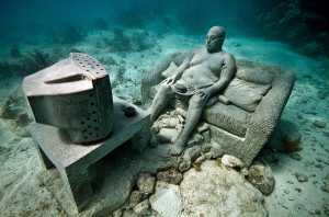 TV_Underwater_Sculpture