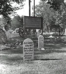 Graves_at_Boot_Hill,_Dodge_City,_KS,_1959(1)